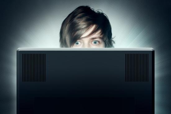 Internetnutzer konsumieren gerne und regelmässig Videos - auch zu Produkten (Bild: © lassedesignen - Fotolia.com).
