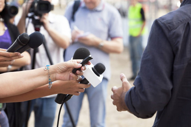 Interview-wellphoto-Shutterstock.com