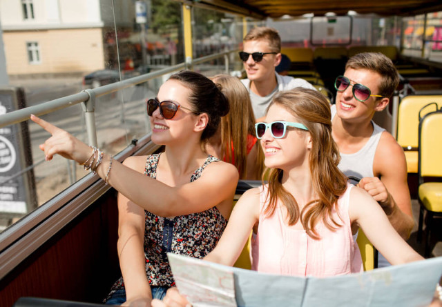 Abenteuerreise-Syda Productions-Shutterstock.com