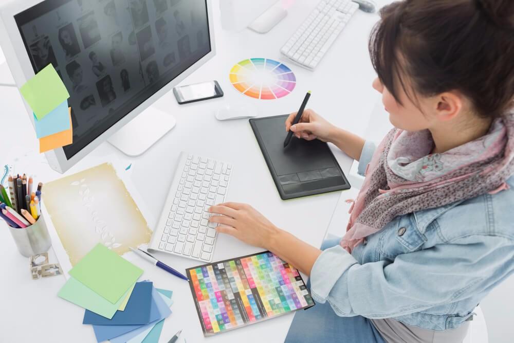 Erfolgreiche Unternehmen brauchen für eine eindeutige Markenkommunikation ein Corporate Design. (Bild: © wavebreakmedia - shutterstock.com)