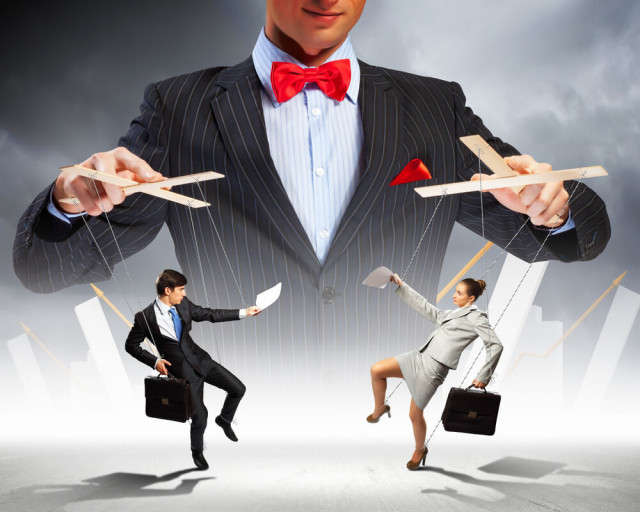 Manipulation-Sergey- Nivens-shutterstock.com.jpg
