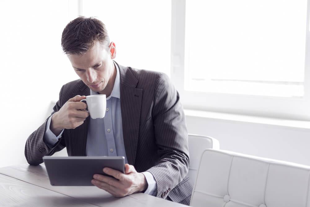 Nehmen Sie sich Zeit, um ein professionelles LinedIn-Profil zu erstellen. (Bild: © Twin Design - shutterstock.com)