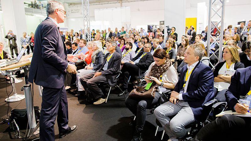 Hohes Interesse an den Vorträgen (Bild: Swiss Online Marketing / Friederike Tröndle)